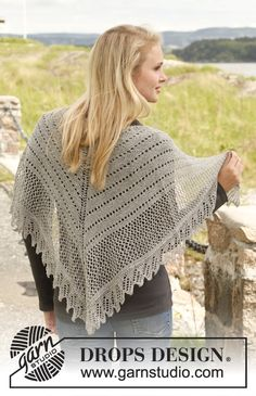 "Knitted DROPS shawl in garter st with lace pattern in ""Lace"". ~ DROPS Design"