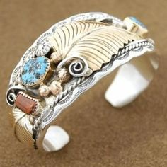 Turquoise Jewelry Native American pictures of turquoise items Stone Jewelry, Body Jewelry, Jewelry Art, Jewelry Accessories, Jewelry Design, Jewlery, Native American Jewellery, American Indian Jewelry, Turquoise Jewelry