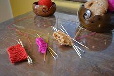 3 villasukkaniksiä kuvitettuna - Neulovilla Diy And Crafts, Knitting, Food, Tricot, Breien, Essen, Stricken, Weaving, Meals