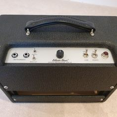 Silver Star A small, portable 5W single ended amp with boost, treble boost, bass cut and attenuation. #emprizeamps #valveamps #tubeamps #amplifiers #guitaramp #guitaramps #ampbuilding #fenderamps #boutiqueamp #boutiqueamps #handmadeuk