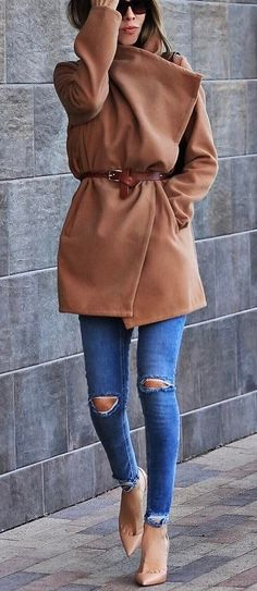 trendy outfit coat + ripped jeans + heels