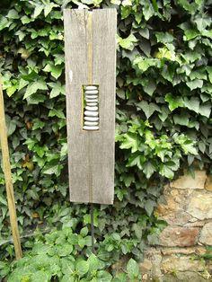 Gartendekoration - Skulptur aus Naturholz + Rheinkiesel - ein Designerstück von LuMaFe bei DaWanda