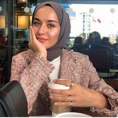 Casual Hijab Outfit, Hijab Chic, 70s Fashion, Girl Fashion, Fashion Outfits, Muslim Girls, Muslim Women, Muslim Fashion, Modest Fashion