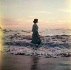 Beautiful Medium Format Beach Photos Found in Thrift Store – Fubiz Media