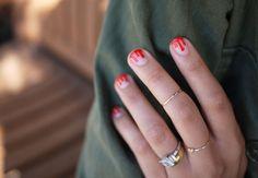 DIY Drippy Nails nails diy nail art diy ideas do it yourself diy nails nail designs drippy nails Bloody Halloween, Halloween Look, Halloween Nail Art, Happy Halloween, Halloween Costumes, Halloween Party, Halloween Makeup, Diy Drip Nails, Cute Nails