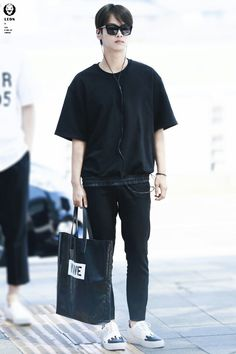 Airport fashion by vixx n