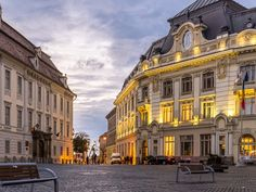 Sibiu Old Town Walking Guided Tour: Slow & Idyllic Uhd Wallpaper, City Wallpaper, Desktop Wallpapers, Most Beautiful Cities, Beautiful Buildings, Sibiu Romania, Old Street, Street Art, Where To Go