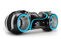 Future Technology and Gadgets News: Evolve Motorcycles launch Xenon ...