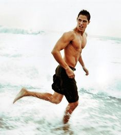 the face is funny but the body is no joke lol. #Sean Faris #never back down