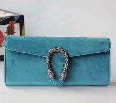 Prada Women's Saffiano Leather Clutch with Chain Strap Red Hobo Handbags, Gucci Handbags, Handbags On Sale, Luxury Handbags, Leather Handbags, Gucci Outlet Online, Gucci Bags Outlet, Leather Clutch, Clutch Bag
