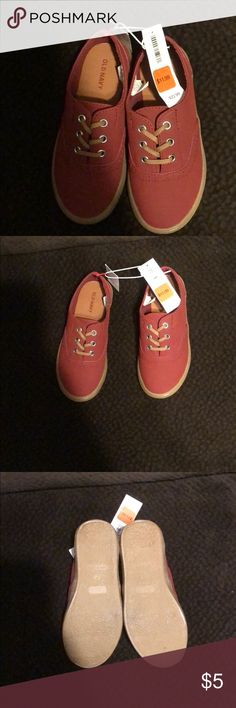 Boys casual shoes Brand new, tags still attached, great fall color for your little one Old Navy Shoes Dress Shoes