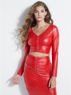 Brisa Shirred Faux-Leather Crop Top at Guess Fashion Brisa Crop cropped trousers outfit fauxleather Guess Shirred top Leather Crop Top, Leather Skirt, Sexy Outfits, Sexy Dresses, Mode Latex, Looks Pinterest, Leder Outfits, Elegantes Outfit, Latex Dress