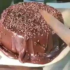 Eggless Desserts, Easy Desserts, Delicious Desserts, Yummy Food, Wine Recipes, Snack Recipes, Dessert Recipes, Brigadeiro Cake, Chocolate Videos