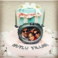 Yetişkin doğum günü pastası. Birthday cake. Surprise cake. Gift box cake.
