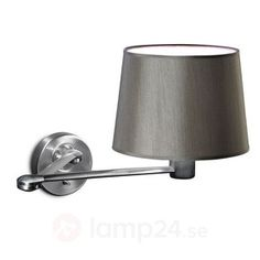 Vacker vägglampa Suite med skärm beställ säkert & bekvämt på Lamp24.se.