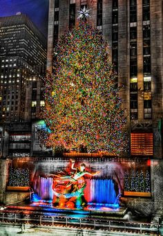 Árbol de Navidad en el Rockefeller Center #NY, USA. #ciudadesnavideñas