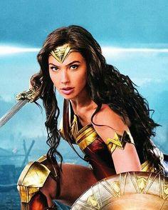 Gal Gadot as Wonder Woman Gal Gadot Wonder Woman, Wonder Woman Movie, Wonder Woman Cosplay, Marvel Dc, Gal Gabot, Dc World, Dc Characters, Warrior Princess, Dc Heroes