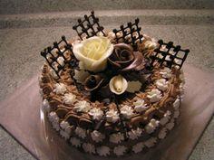 zase jedna paříž :o)) - fotoalba uživatelů - Dáma.cz Buttercream Cake Designs, Buttercream Flower Cake, Chocolate Caramels, Chocolate Cake, Single Layer Cakes, Classic Cake, Cake Photography, Chocolate Decorations, Food Decoration