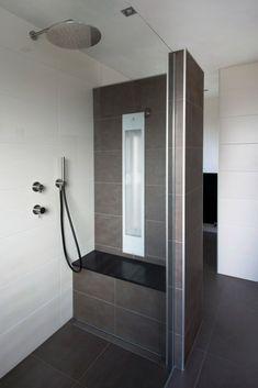 House Bathroom, Bathroom Interior, Small Shower Room, Amazing Bathrooms, Kitchen Remodel Design, Bathroom Shower, Bathroom Decor, Bathroom Redo, Small Bathroom Remodel