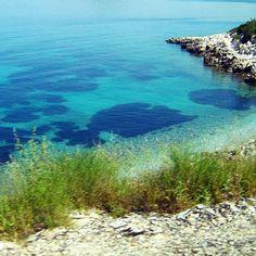 The colours of the Aegean Sea ♡#destinationany #anywheretraveler #travelblogger #traveler #travelgram #instatravel #ontheroad #aegeansea #beachlovers #beautifuldestinations #beautifulsea #bluesea #takemetoturkey #turkey #welivetoexplore #ig_romania #igromania #igersromania