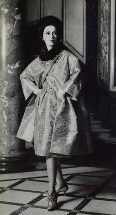 1961 Christian Dior - L'Art et la Mode 1961 No. 2 page 112