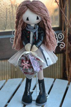 Lisa Dolls Lisa, Winter Hats, Dolls, Handmade, Fashion, Baby Dolls, Moda, Hand Made, Fashion Styles