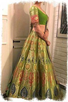 Best of Bollywood fashion - major inspiration for your bollywood lehenga. Fab filmi brides & their onscreen wedding lehengas to inspire your designer dream. Bollywood Outfits, Bollywood Lehenga, Bollywood Fashion, Bollywood Dress, Bollywood Bridal, Pakistani Bridal, Indian Lehenga, Lehenga Choli, Green Lehenga