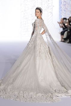 WedLuxe – Couture Spring-Summer 2016: Ralph & Russo | Follow @WedLuxe for more wedding inspiration!