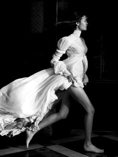 For The Love Of Grace | Vogue Paris October 2005 by Patrick Demarchelier | black & white | run | beautiful | feminine | fashion | wow | graceful | editorial | running
