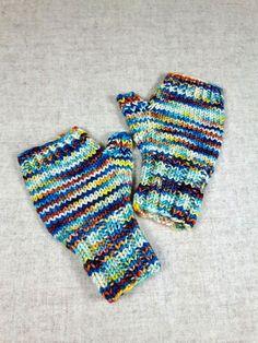 Fingerlose Handschuhe für Kleinkinder in blau, orange und weiß, handgefärbte Merino-Schurwolle, handgestrickt von mir, garantiert ohne Maschine.