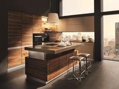 Cozinha de madeira com ilha k7 by TEAM 7 Natürlich Wohnen   design Kai Stania