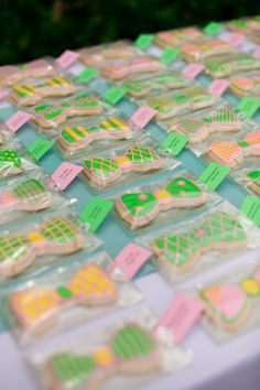Bowtie-Themed Escort Card Cookies | Cory Weber Photography | Theknot.com