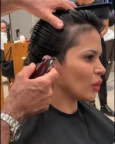 Short White Hair, Short Hair With Layers, Girl Short Hair, Short Hair Cuts, Super Short Hair, Undercut Long Hair, Undercut Hairstyles, Hair Cutting Videos, Hair Videos