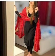 Indian Fashion Dresses, Pakistani Dresses Casual, Dress Indian Style, Pakistani Dress Design, Indian Designer Outfits, Indian Outfits, Pakistani Mehndi, Pakistani Clothing, Punjabi Fashion