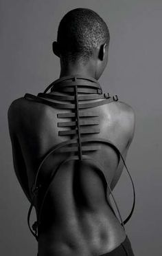 Mode en Module Accessories Exude Edgy Sexuality #jewelry trendhunter.com