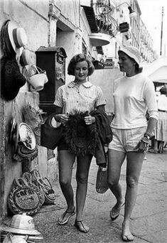 Capri sndals http://www.vogue.it/en/encyclo/fashion/s/capri-sandals