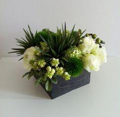 Spring Floral Arrangement (banquet tabbles)