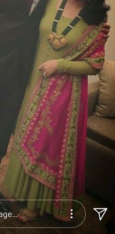 Stylish Dress Designs, Stylish Dresses, Simple Dresses, Fashion Dresses, Pakistani Dresses, Indian Dresses, Indian Outfits, Punjabi Dress, Punjabi Suits