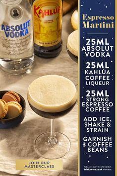 Martini Recipes, Alcohol Drink Recipes, Cocktail Recipes, Coffee Martini Recipe, Espresso Martini, Espresso Coffee, Kahlua Coffee Liqueur, Christmas Cocktails, Xmas Food