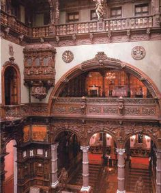the Peles Castle, the former summer residence of the first King of Romania, Prince Karl of Hohenzollern Sigmaringen.  Hall of Honour