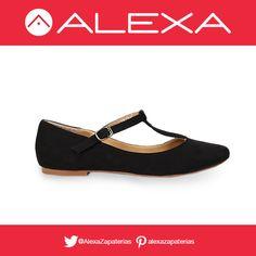 Flats estilo T-bar color negro para lograr un look formal