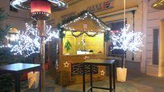 Punschhütte vor unserem Restaurant Five Senses. Täglich geöffnet von 16.00 - 20.00 Uhr bis zum 23.12.2013 Vanity, Restaurant, Mirror, Furniture, Home Decor, Clock, Dressing Tables, Powder Room, Decoration Home