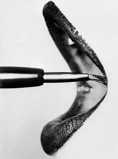 Lips. Irving Penn, 1959. Read More : http://bronzelife.info/beautiful-faces-19/