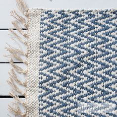 Blue rug, in a chevron geometric pattern, creating laid back Scandi style in your home. Jord Home natural fibre rug in indigo blue designed to add depth Azul Indigo, Bleu Indigo, Natural Fiber Rugs, Natural Rug, Crochet Home, Crochet Motif, Rope Rug, Blue Living Room Decor, Geometric Rug