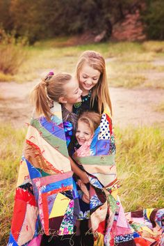 sibling pose- this would be super cute with a tent in the background (Camping photo op)