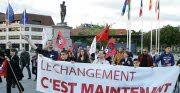 Les militants défilent dans les rues de la ville