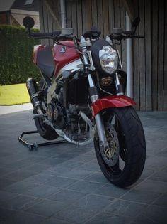 Honda 4th Gen VFR Street Fighter Custom Ducati Monster Seat