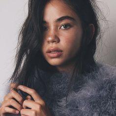 Fashion, beauty, music and popular culture designer Nikita Karizma Bare Beauty, Popular Girl, Bon Jovi, Face Skin, Suzy, Pretty People, Character Inspiration, Eyebrows, Victoria