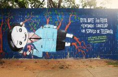 """Olá a todos! Artista foi convidado para grafitar muros enquanto falava com o SAC de três empresas. O tempo de espera bateu mais de 2h. Ele grafitou três muros enquanto esperava... Cancelar um contrato de serviço de telefonia, TV a cabo ou de internet pode ser uma verdadeira """"saga"""" para o consumidor brasileiro. #Brasil #consumidor #RBVconsultoria"""