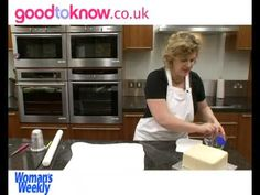 How to decorate a star design Christmas cake - part 1